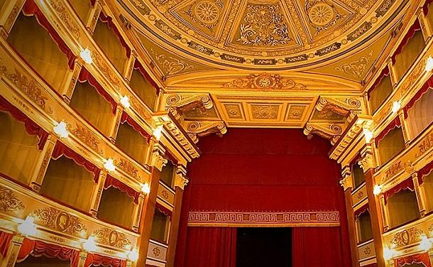 teatro noto agriturismo terra e pace