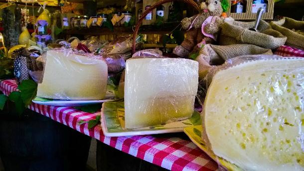 trattoria da luciana san piero patti sicilia food cheese